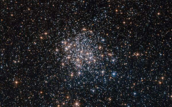 Шаровое скопление NGC 1854 в галактике Большое Магелланово Облако