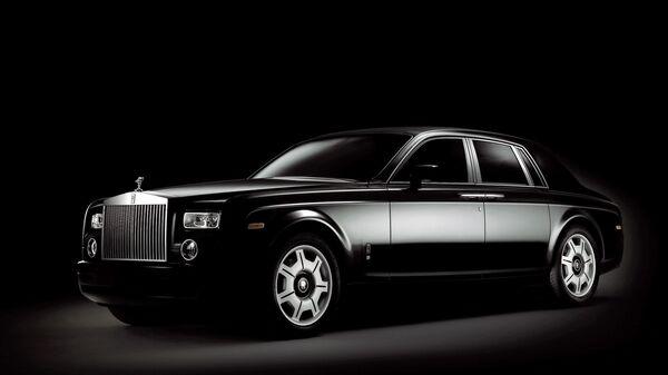 Автомобиль Rolls-Royce Phantom. Архивное фото