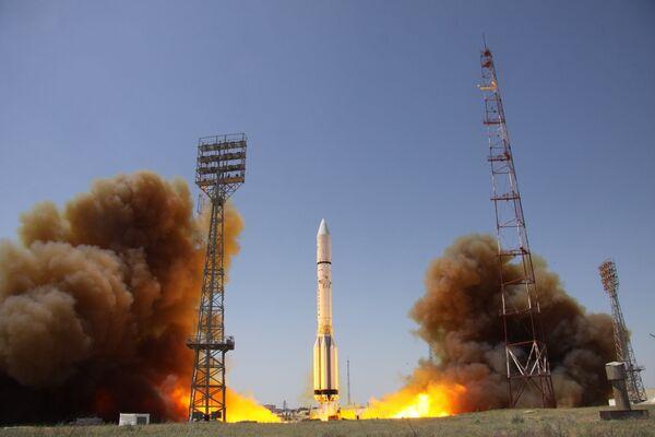 Пуск ракеты-носителя Протон-М с разгонным блоком Бриз-М и телекоммуникационным космическим аппаратом Intelsat DLA-2 . 9 июня 2016