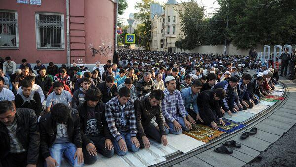 Празднование Ураза-байрам в Москве. Архивное фото