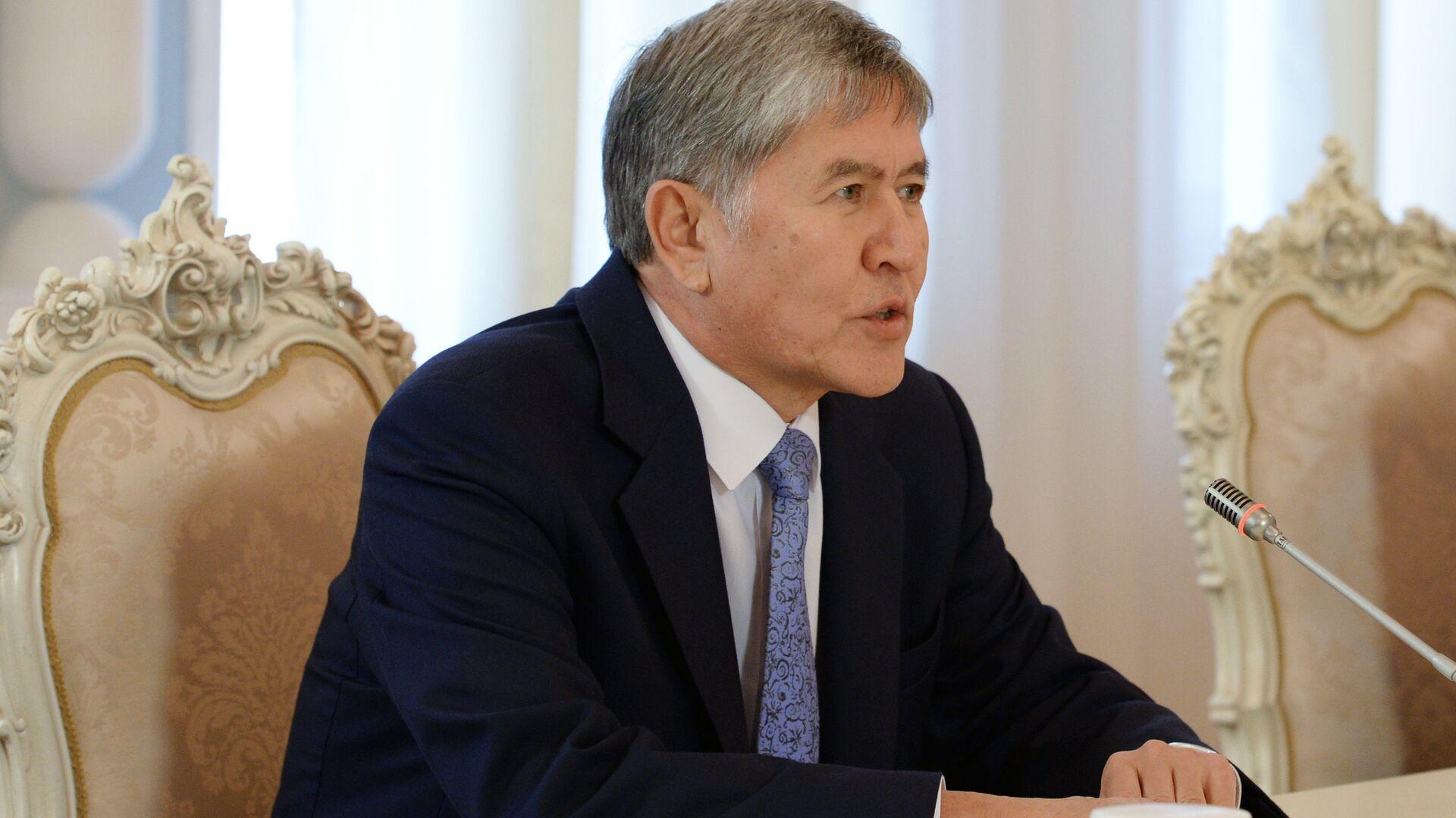 Президент Киргизской Республики Алмазбек Атамбаев. Архивное фото - РИА Новости, 1920, 01.12.2016