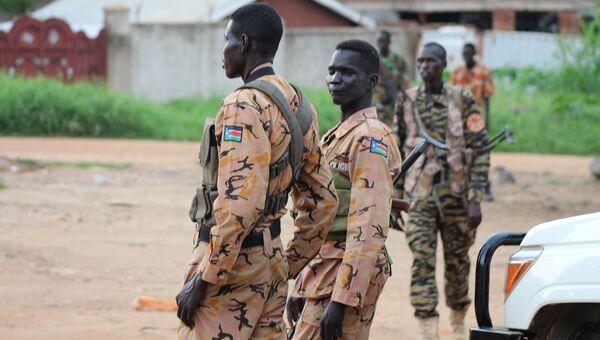 Полицейские и солдаты в столице Южного Судана Джубе