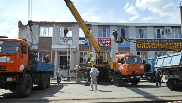 Ликвидация последствий обрушения крыши в здании в Кемерово
