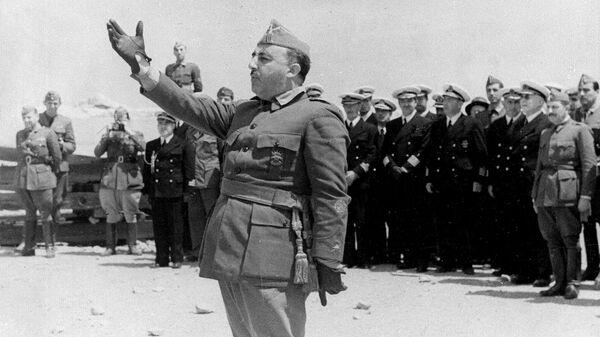 Генералиссимус Франциско Франко у города Винарос. 26 июля 1938 года