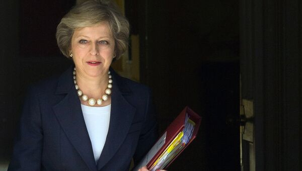 Премьер-министр Великобритании Т. Мэй на Даунинг-стрит в Лондоне. Архивное фото