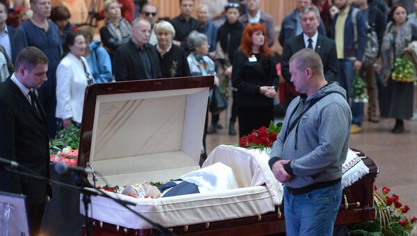 На церемонии прощания с погибшим в Киеве журналистом Павлом Шереметом в Украинском доме