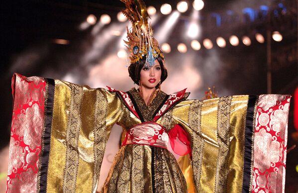 Победительница конкурса Мисс Мира Чжан Цзылинь из Китая, 2007 год