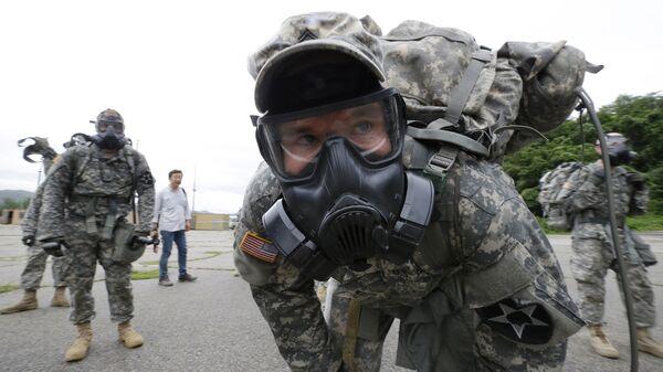 Военнослужащие химического батальона армии США в военном лагере в Южной Корее