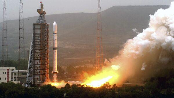 Старт ракеты-носителя с космодрома в КНР. Архивное фото
