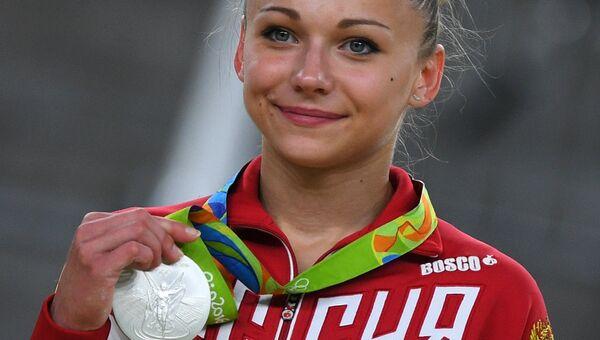 Мария Пасека, завоевавшая серебряную медаль в опорном прыжке на XXXI летних Олимпийских играх