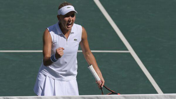 Елена Веснина радуется победе в финальном матче женского турнира по теннису в парном разряде на XXXI летних Олимпийских играх