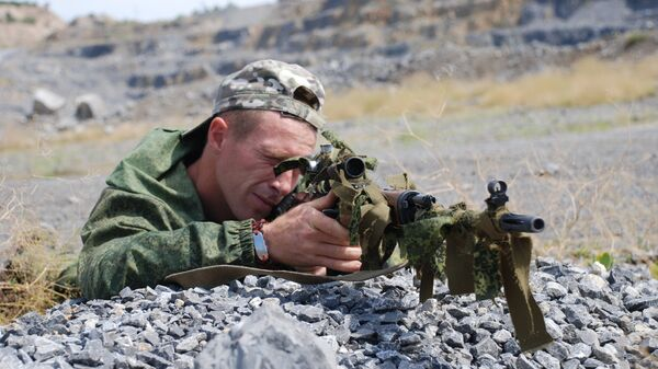 Боец спецподразделения народной милиции ДНР. Архивное фото