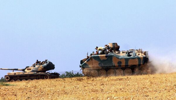 Турецкая бронетехника на границе с Сирией. 23 августа 2016
