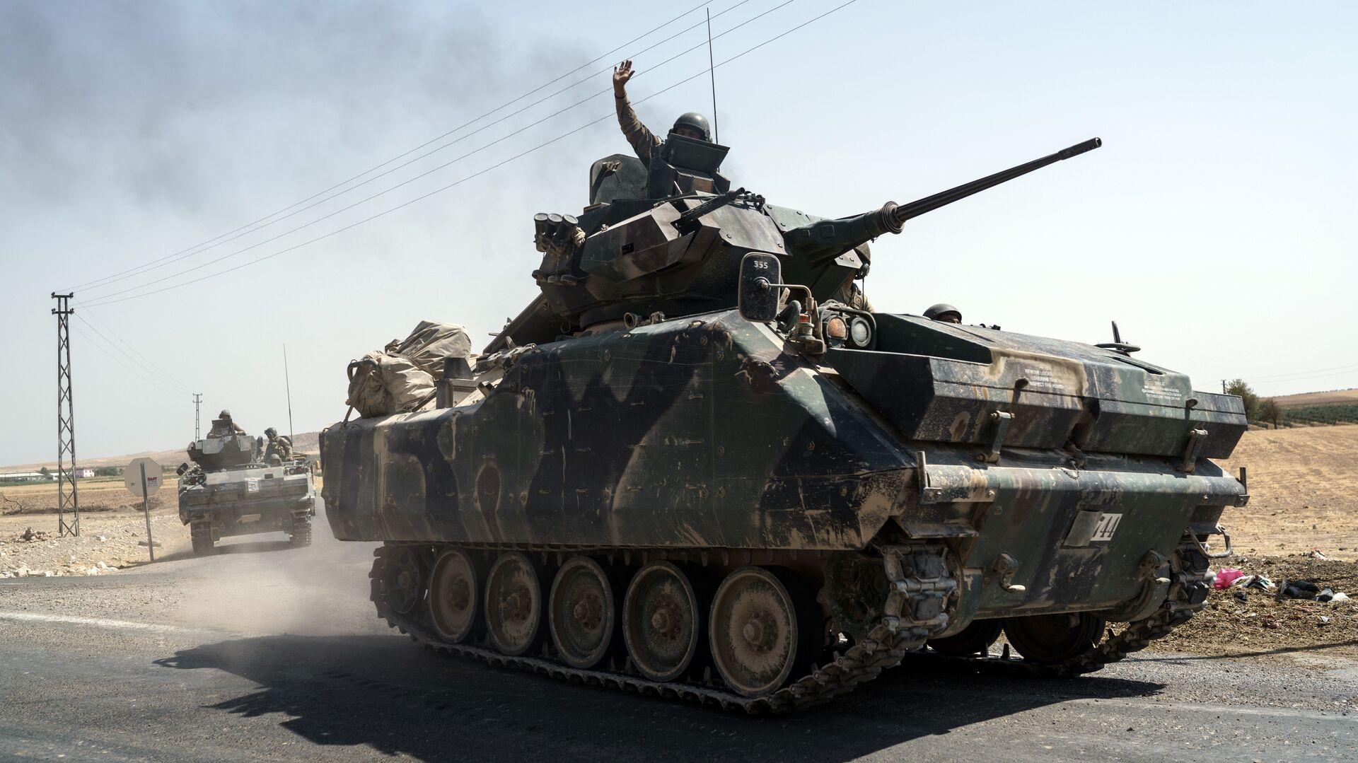 Турецкая бронетехника на границе с Сирией. 27 августа 2016 - РИА Новости, 1920, 19.09.2020