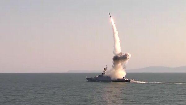 Пуски ракет Калибр с кораблей Каспийской флотилии на учениях Кавказ-2016