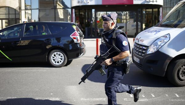 Сотрудник полиции Франции. Архивное фото