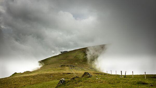 Финалист конкурса Фотограф погодных явлений-2016. Steve M Smith - Cloud Tunnel, Carneddau, north Wales