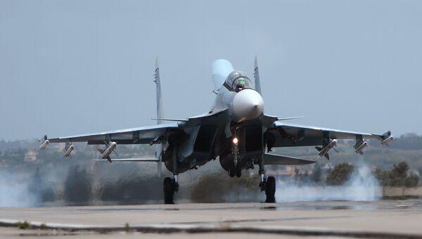 Российский самолет Су-30. Архивное фото