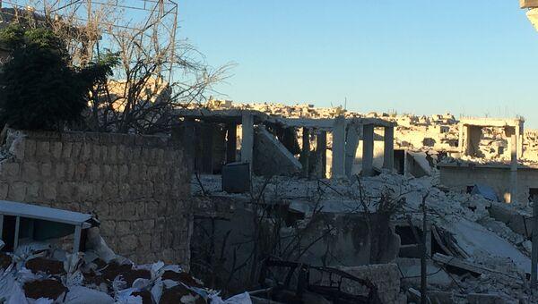 Разрушенные улицы  в Алеппо. Архивное фото