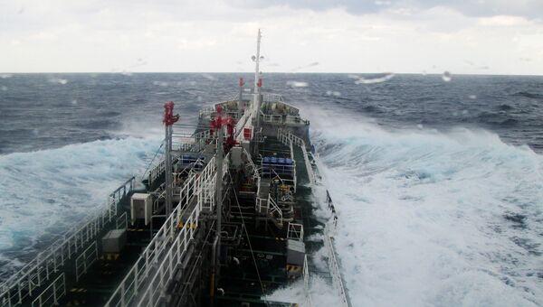 Японский танкер для перевозки химических грузов. Архивное фото