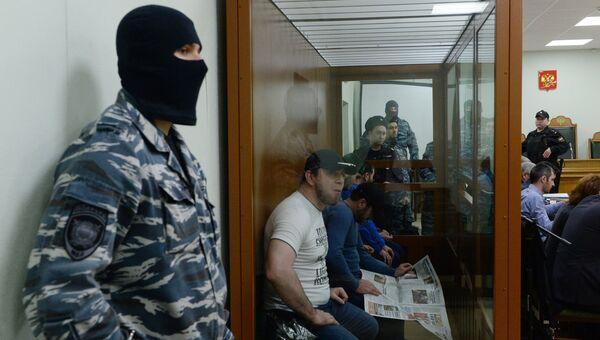 Подсудимые по делу об убийстве политика Бориса Немцова в Московском военном окружном суде во время рассмотрения уголовного дела