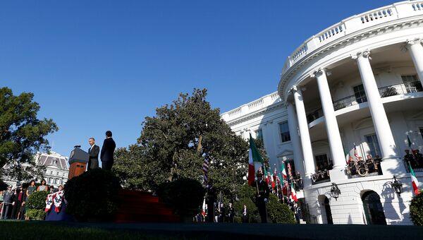 Белый Дом. Архивное фото
