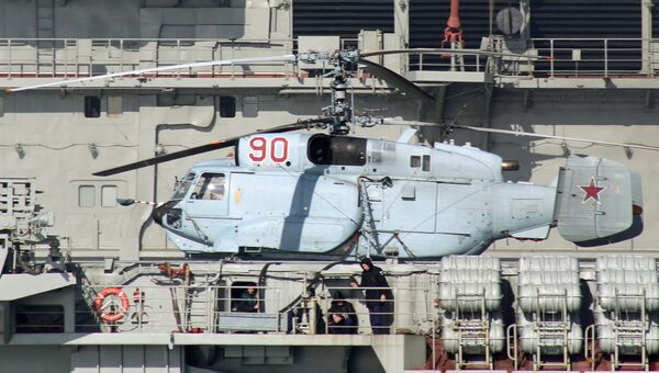 Вертолет Ка-31Р на борту тяжёлого авианесущего крейсера Адмирал Флота Советского Союза Кузнецов во время прохода авианосной группы Северного флота России через пролив Ла-Манш