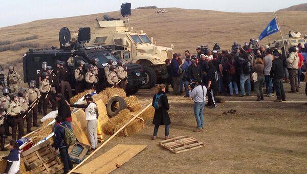 Разгон лагеря активистов, выступающих против строительства трубопровода в Северной Дакоте, США. 28 октября 2016