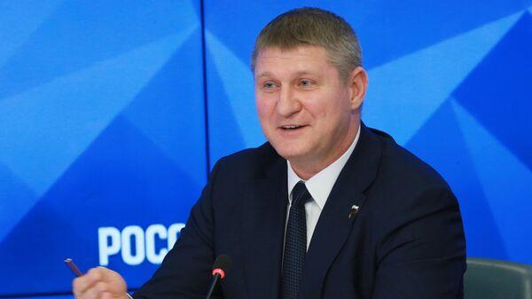 Михаил Шеремет прокомментировал решение Apple по Крыму
