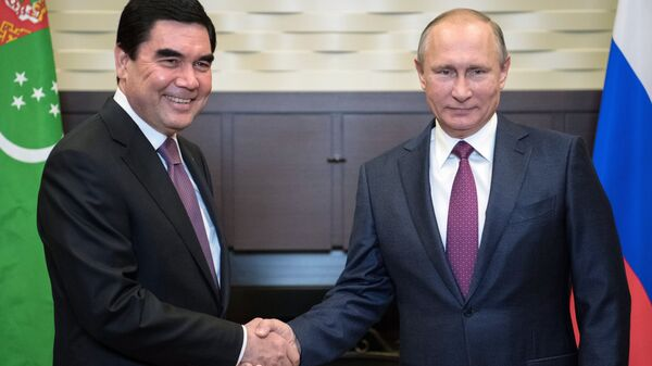 Президент РФ Владимир Путин и президентом Туркменистана Гурбангулы Бердымухамедов. Архвиное фото