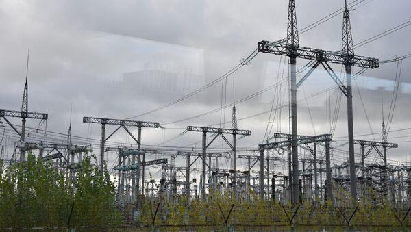 Линии электропередач на Чернобыльской атомной электростанци. Архивное фото