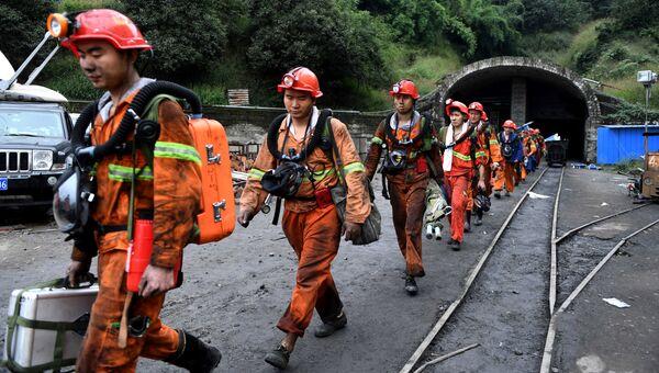 Спасатели в Китае. Архивное фото