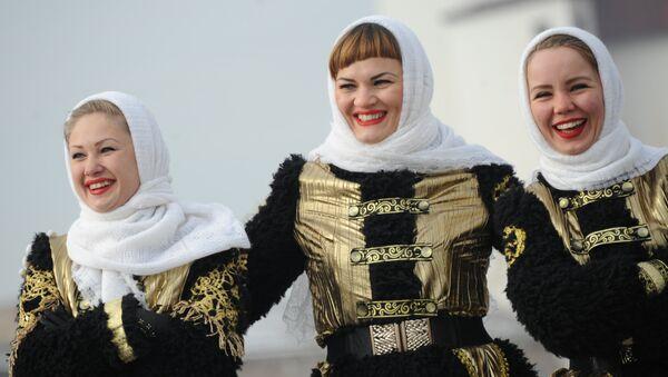 В Чите на площади имени Ленина День народного единства отметили праздничным концертом.