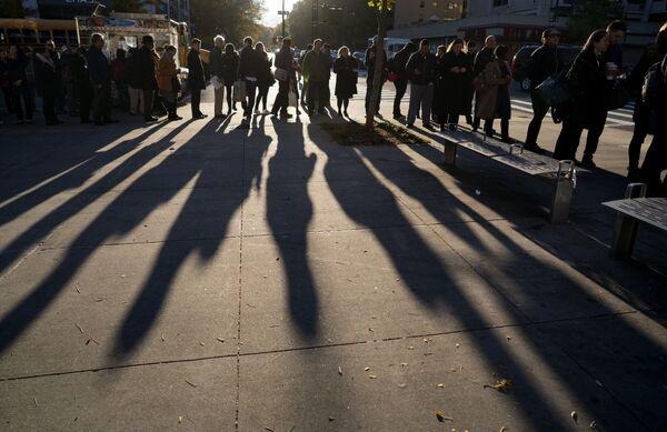 Очередь у избирательного участка в Манхэттене
