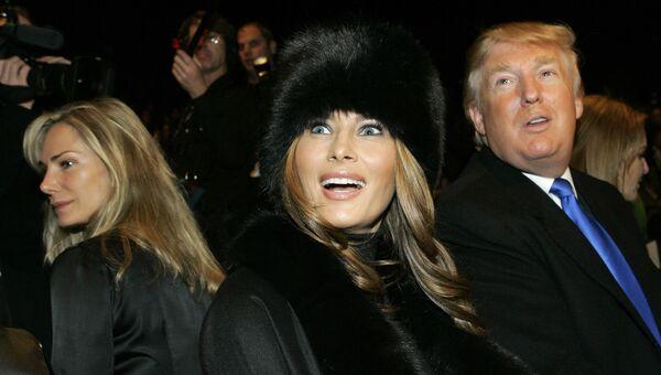 Мелания и Дональд Трамп перед презентацией коллекции Michael Kors во время Недели моды в Нью-Йорке. 2007 год