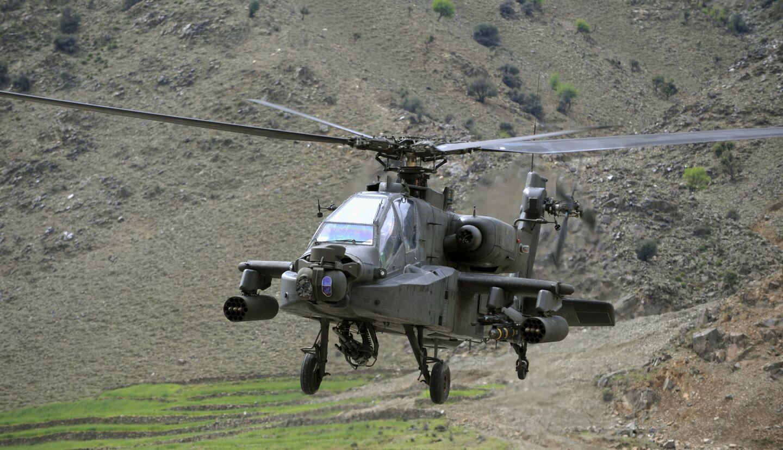 Вертолет AH-64