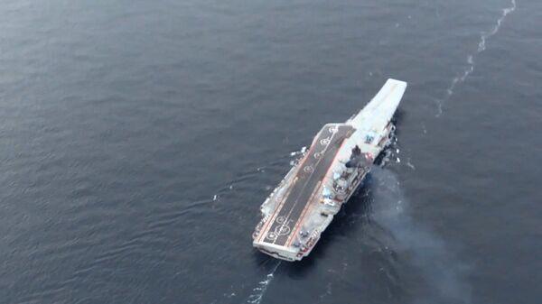 Тяжёлый авианесущий крейсер Адмирал Флота Советского Союза Кузнецов у берегов Сирии в Средиземном море