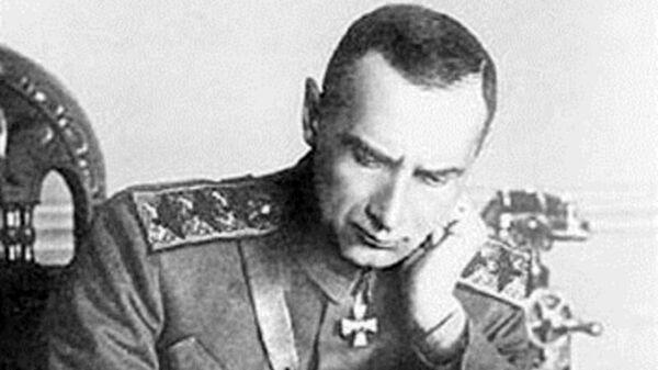 Верховный Правитель России и Верховный Главнокомандующий Русской армией адмирал Александр Колчак