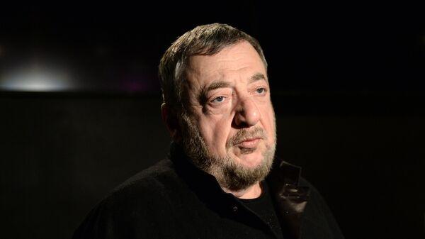 Режиссер и продюсер Павел Лунгин во время интервью перед премьерой фильма Дама Пик в Москве