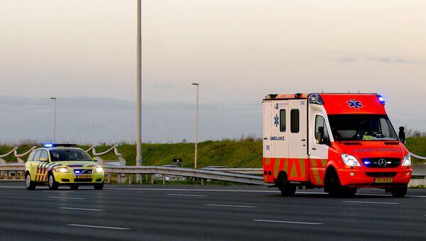 Автомобиль скорой помощи в Нидерландах. Архивное фото