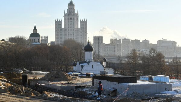 Строительство парка Зарядье в Москве