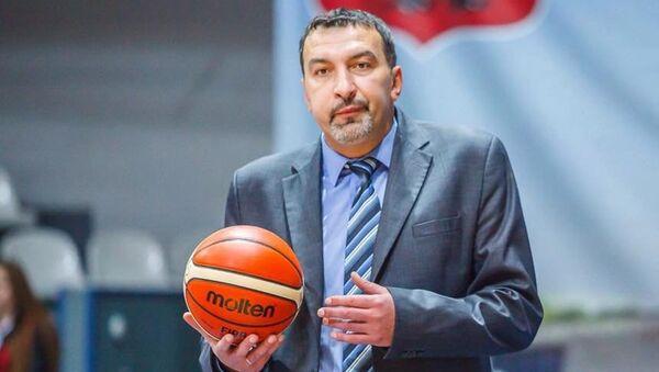 Тренер Андрей Долопчи. Архивное фото