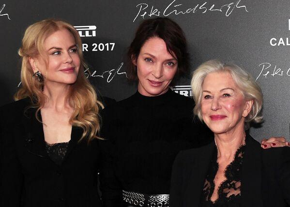 Американские актрисы Николь Кидман и Ума Турман и британская актриса Хелен Миррен на презентации календаря Pirelli 2017