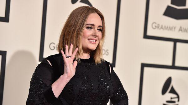 Певица Адель на 58-й ежегодной премии Грэмми. Лос-Анджелес, 15 февраля 2016