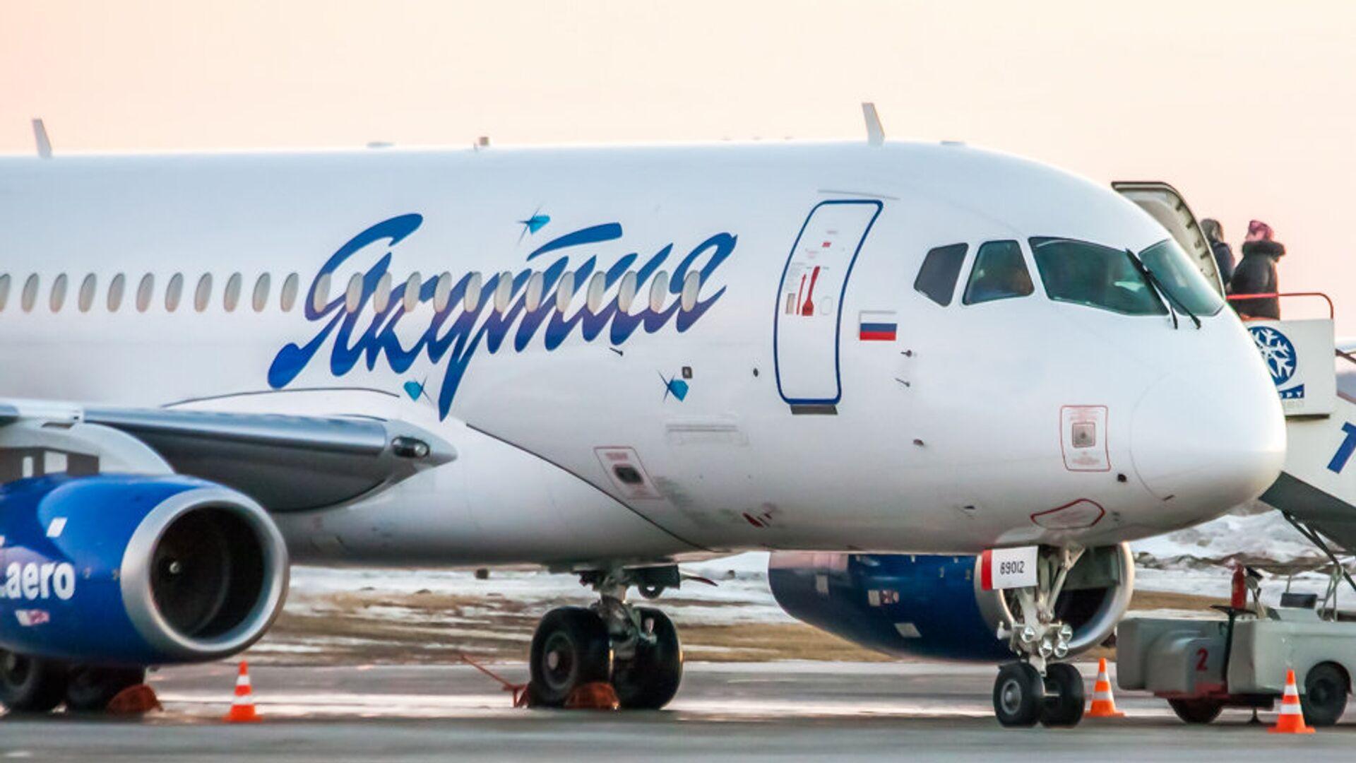 Самолет Sukhoi Superjet 100 авиакомпании Якутия  - РИА Новости, 1920, 15.09.2021