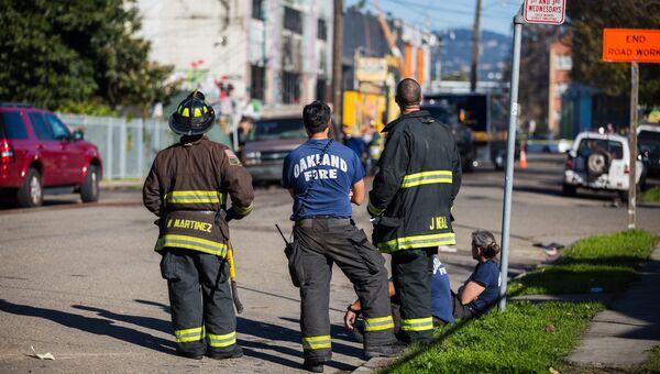 Пожарные на месте пожара в ночном клубе в Окленде. Архивное фото