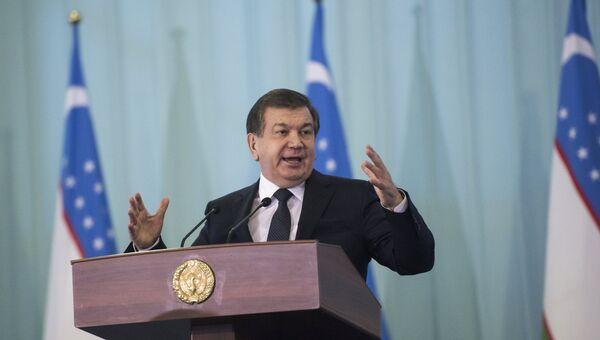 Премьер-министр и временно исполняющий обязанности президента Узбекистана Шавкат Мирзиеев, победивший на выборах президента Узбекистана. Архивное фото