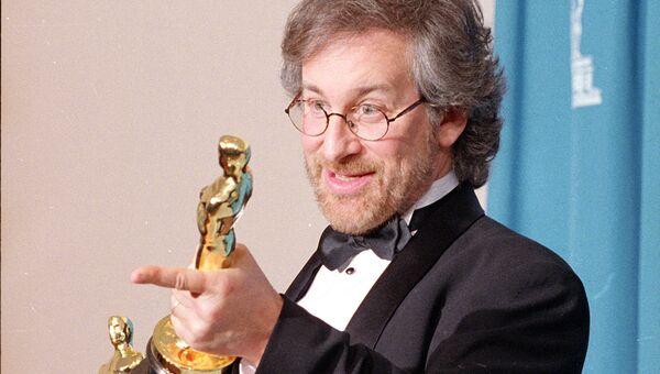 Стивен Спилберг получил два Оскара за фильм Список Шиндлера, 21 марта 1994