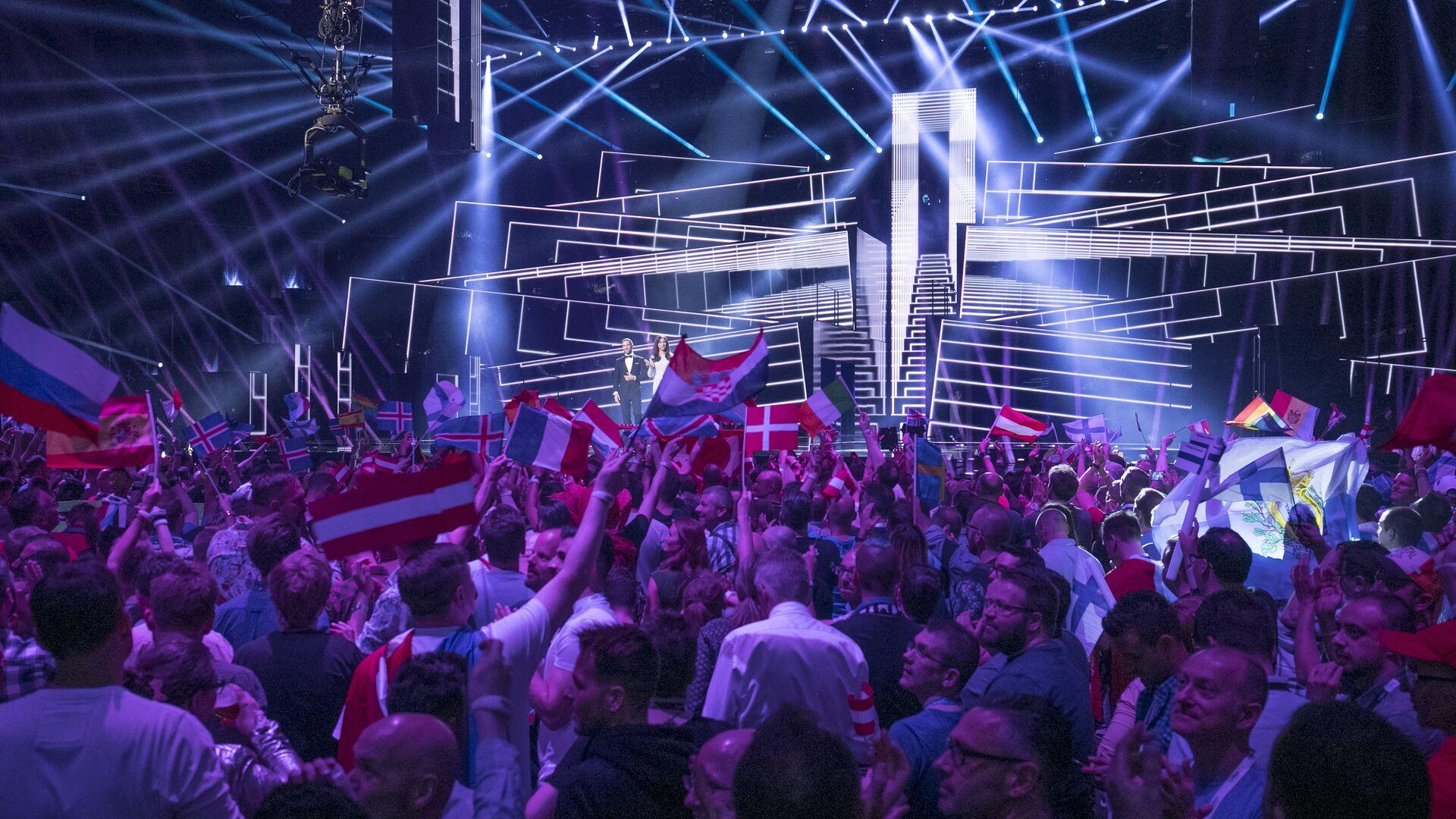 Зрители во время финала конкурса Евровидение - РИА Новости, 1920, 02.03.2021