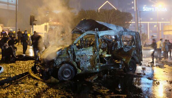 Последствия взрыва в Стамбуле 10 декабря 2016 года